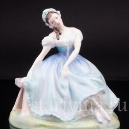 """Статуэтка из фарфора Балерина """"Жизель"""", Royal Doulton, Великобритания, 1953 год."""