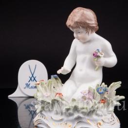 Фарфоровая статуэтка Девочка с бабочкой, Meissen, Германия, кон. 19, нач. 20 вв.